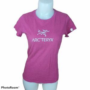 🍄3/45$🍄 Arc'teryx pink tee shirt size small